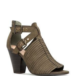 🆕 🎁 Olive Strappy Heeled Peep Toe Ankle Bootie